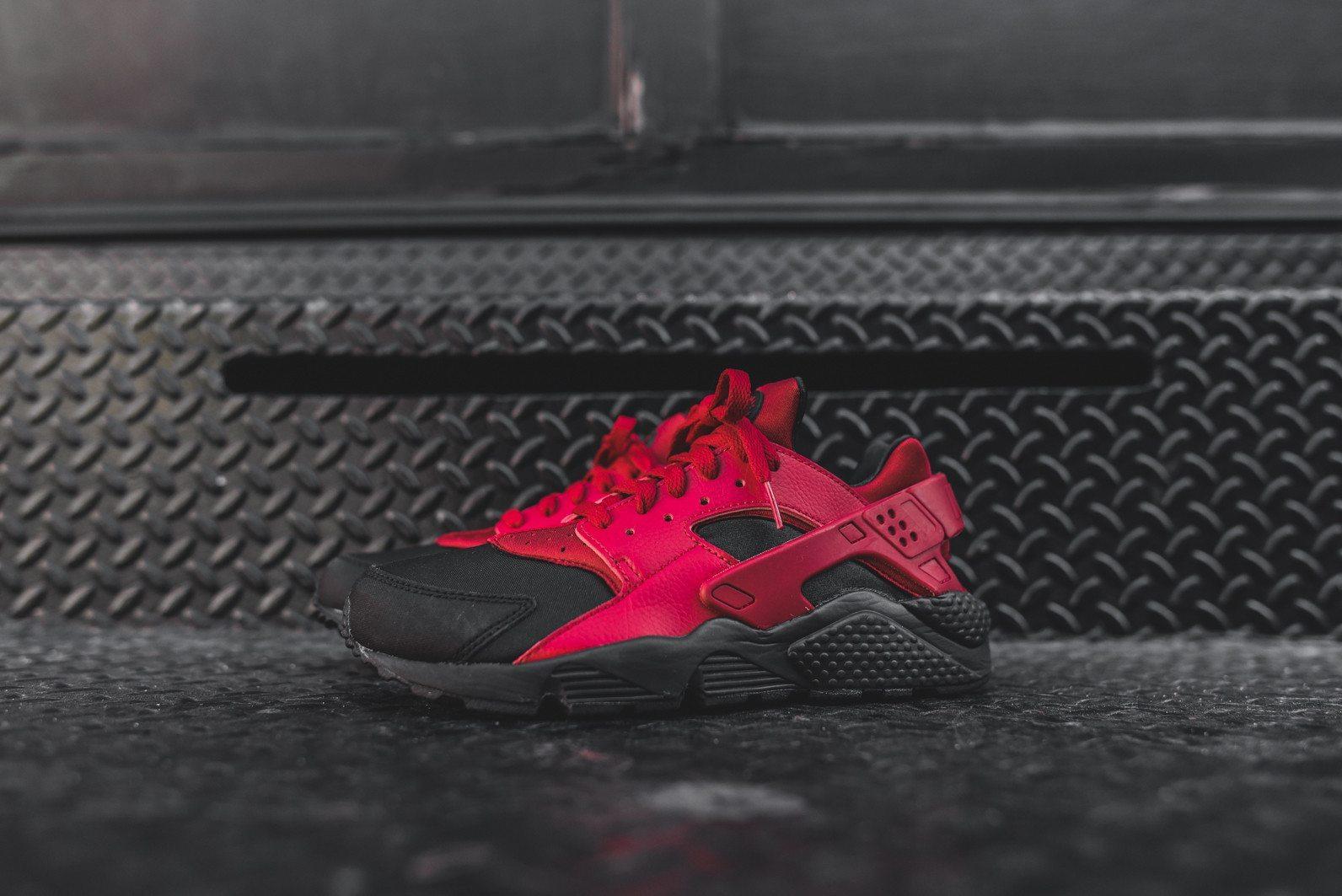 Nike Air Huarache Run PRM Black Gym Red 2