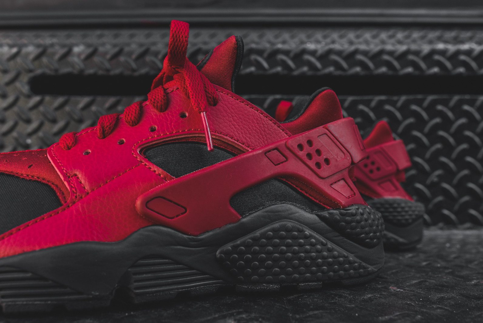 Nike Air Huarache Run PRM Black Gym Red 7