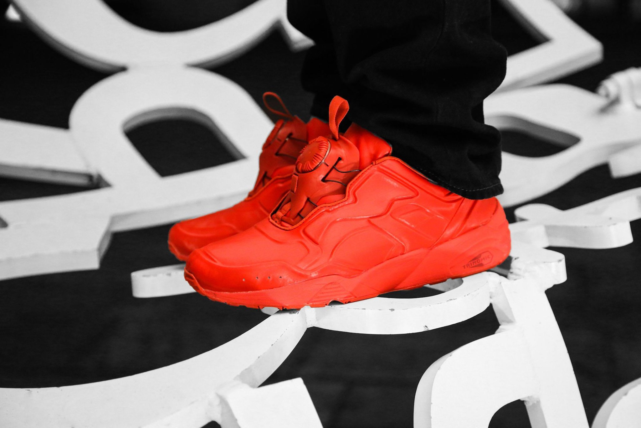 PUMA DISC 89 All Red All Black 1