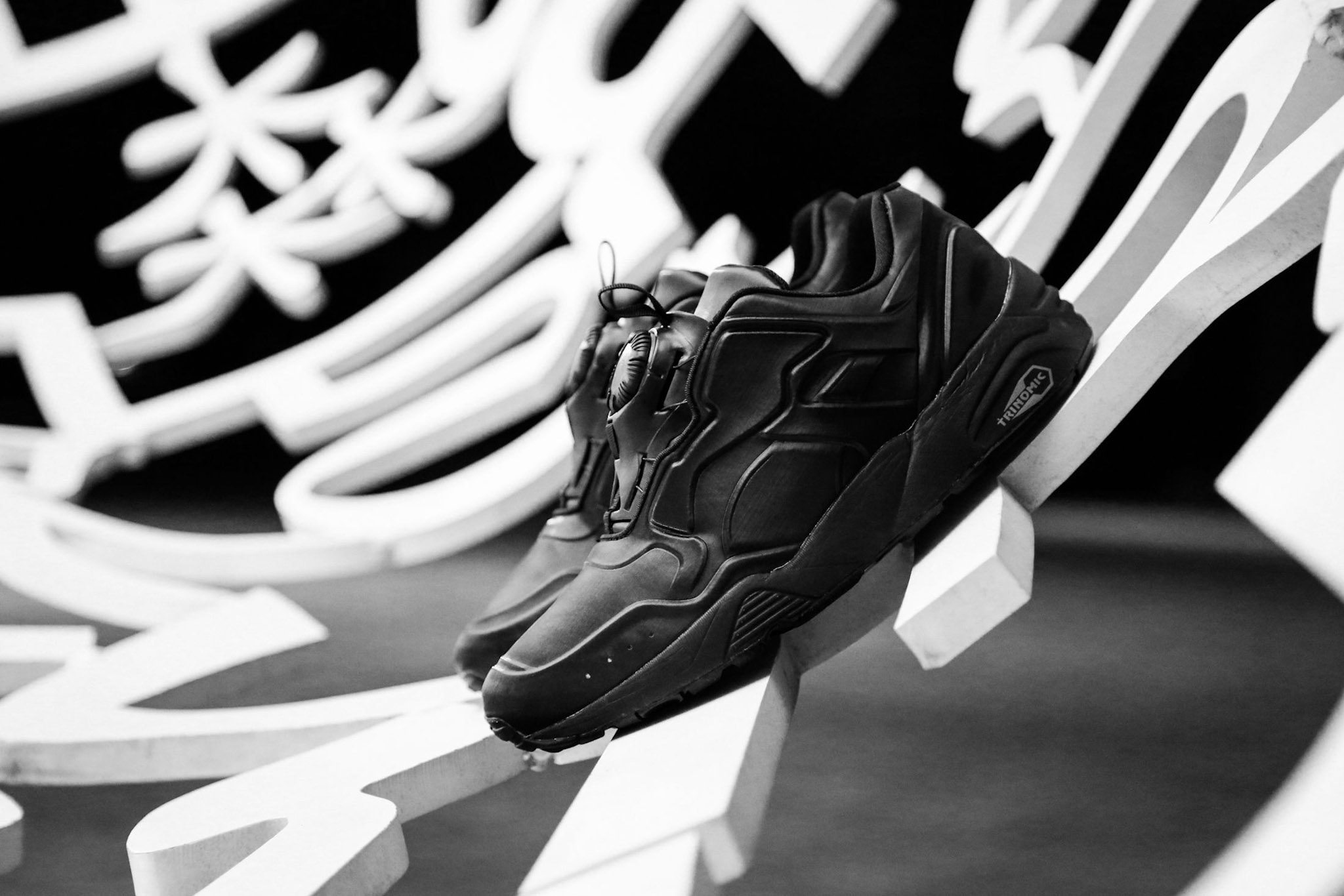 PUMA DISC 89 All Red All Black 11
