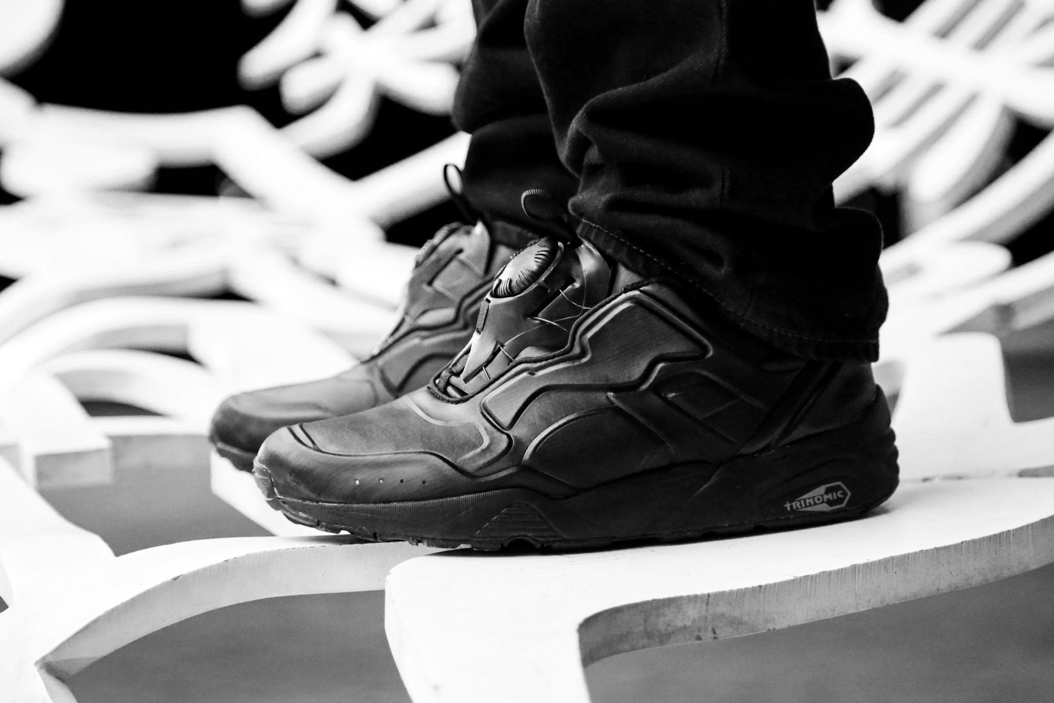 PUMA DISC 89 All Red All Black 14