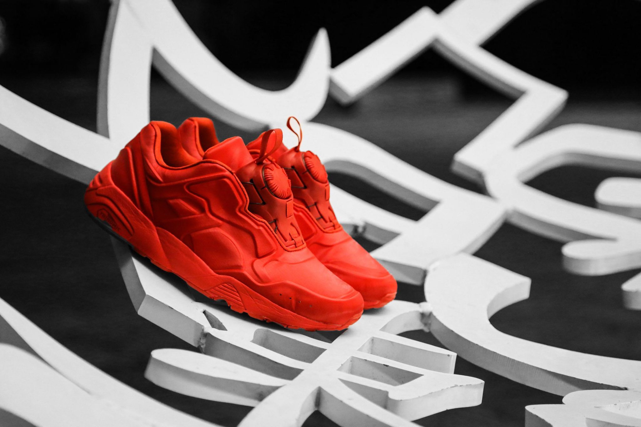 PUMA DISC 89 All Red All Black 5