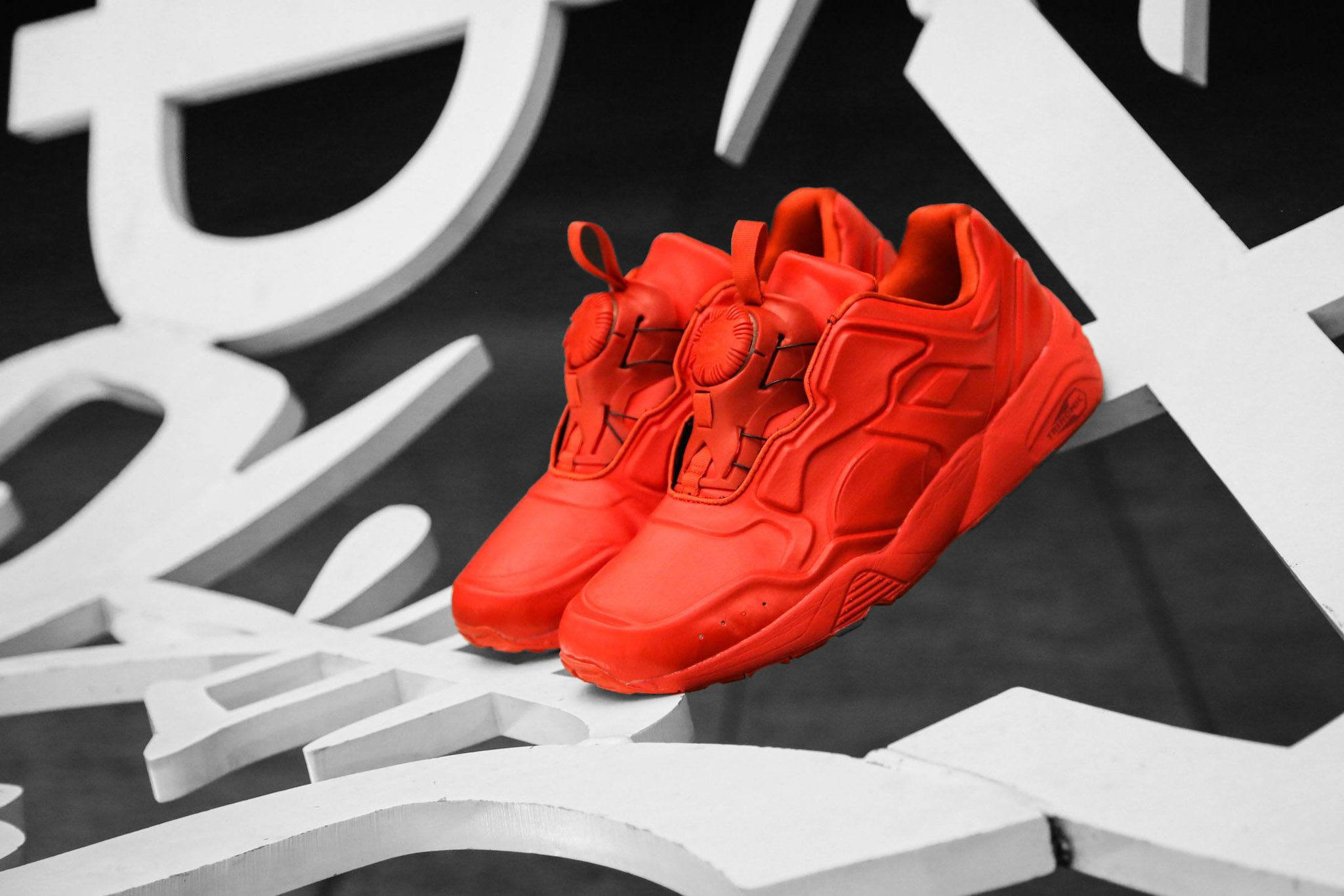 PUMA DISC 89 All Red All Black 7
