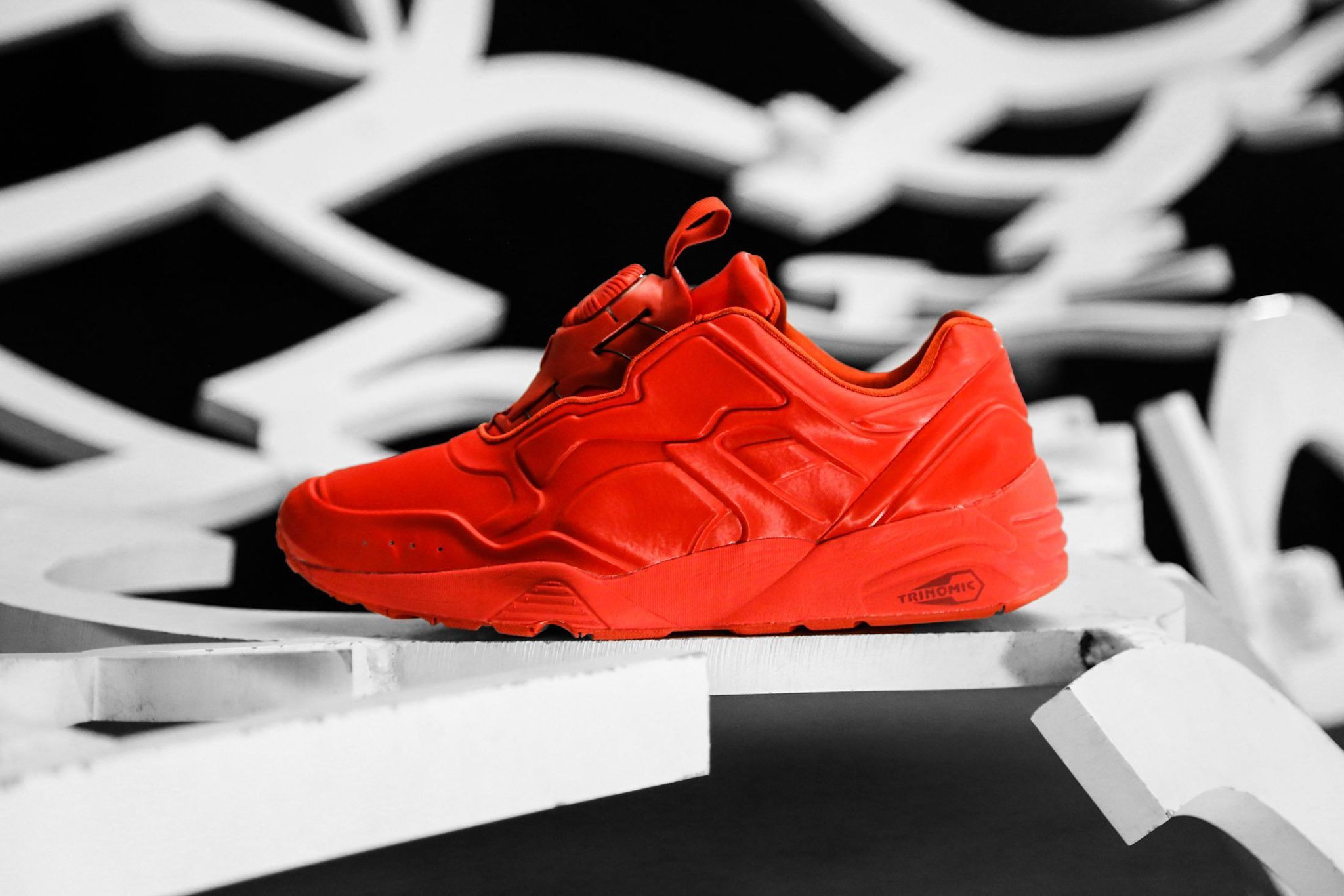 PUMA DISC 89 All Red All Black 8