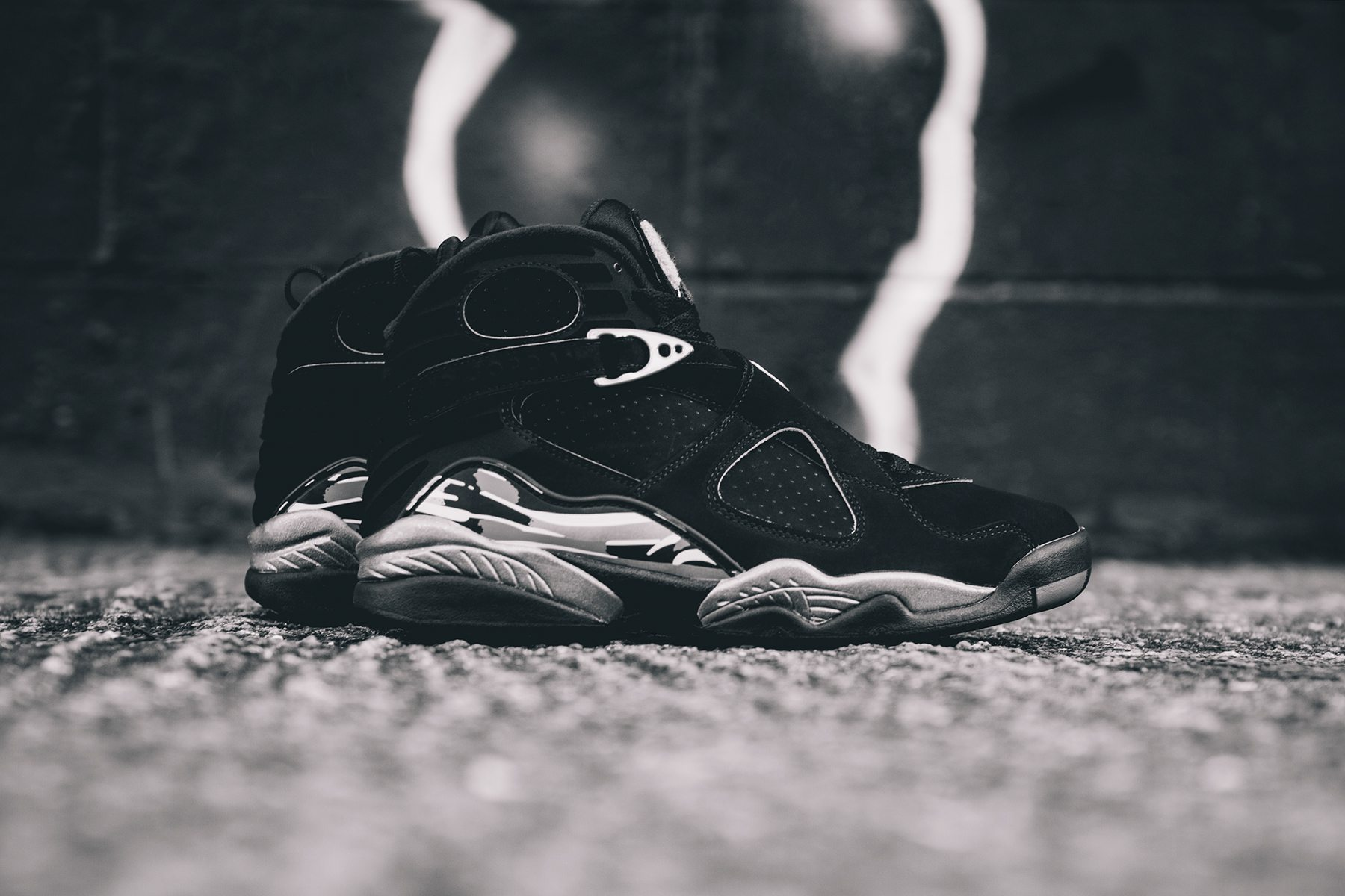 Air Jordan 8 Retro Chrome 1