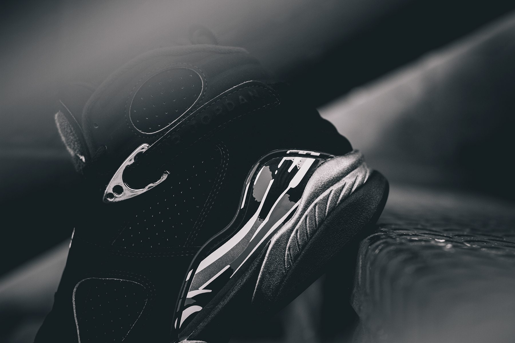 Air Jordan 8 Retro Chrome 2