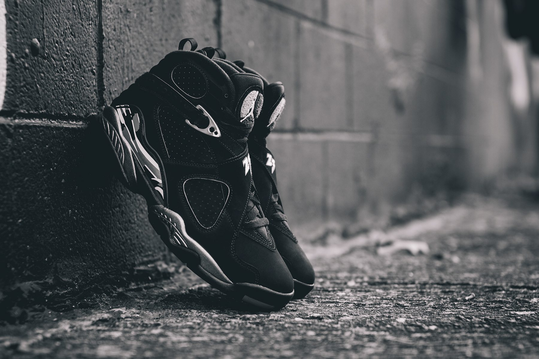 Air Jordan 8 Retro Chrome 3