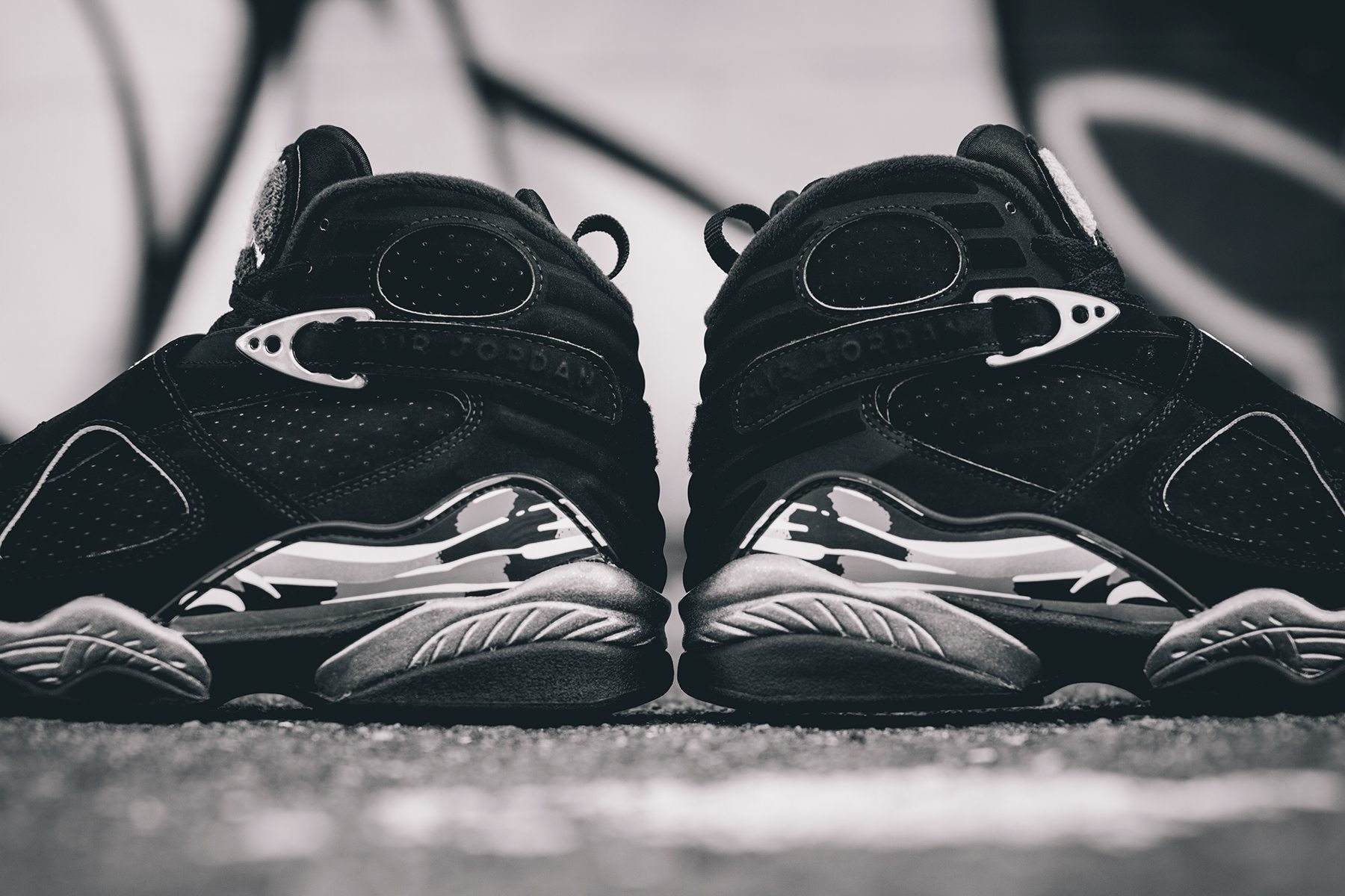 Air Jordan 8 Retro Chrome 4