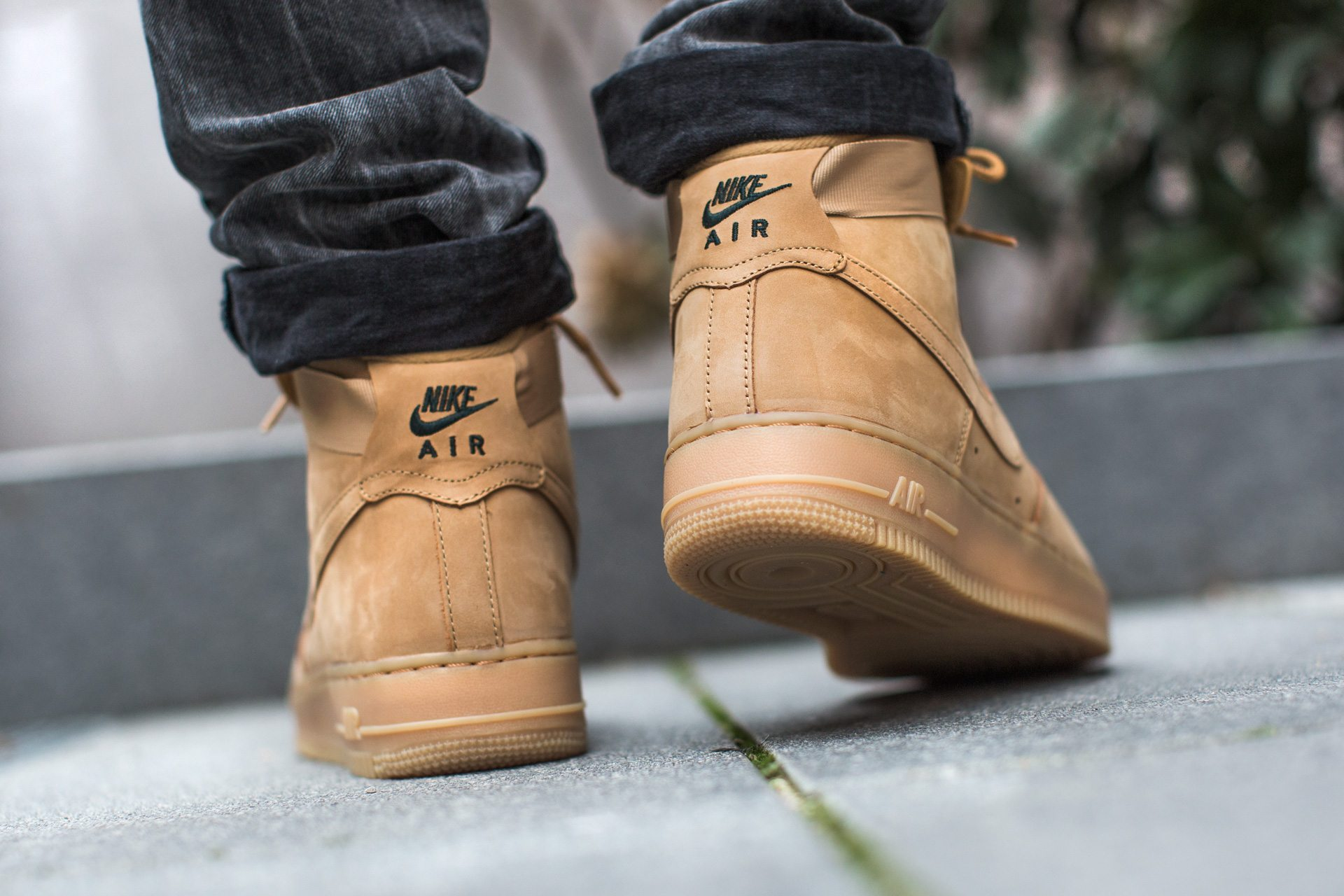 Nike Air Force 1 High Flax 5