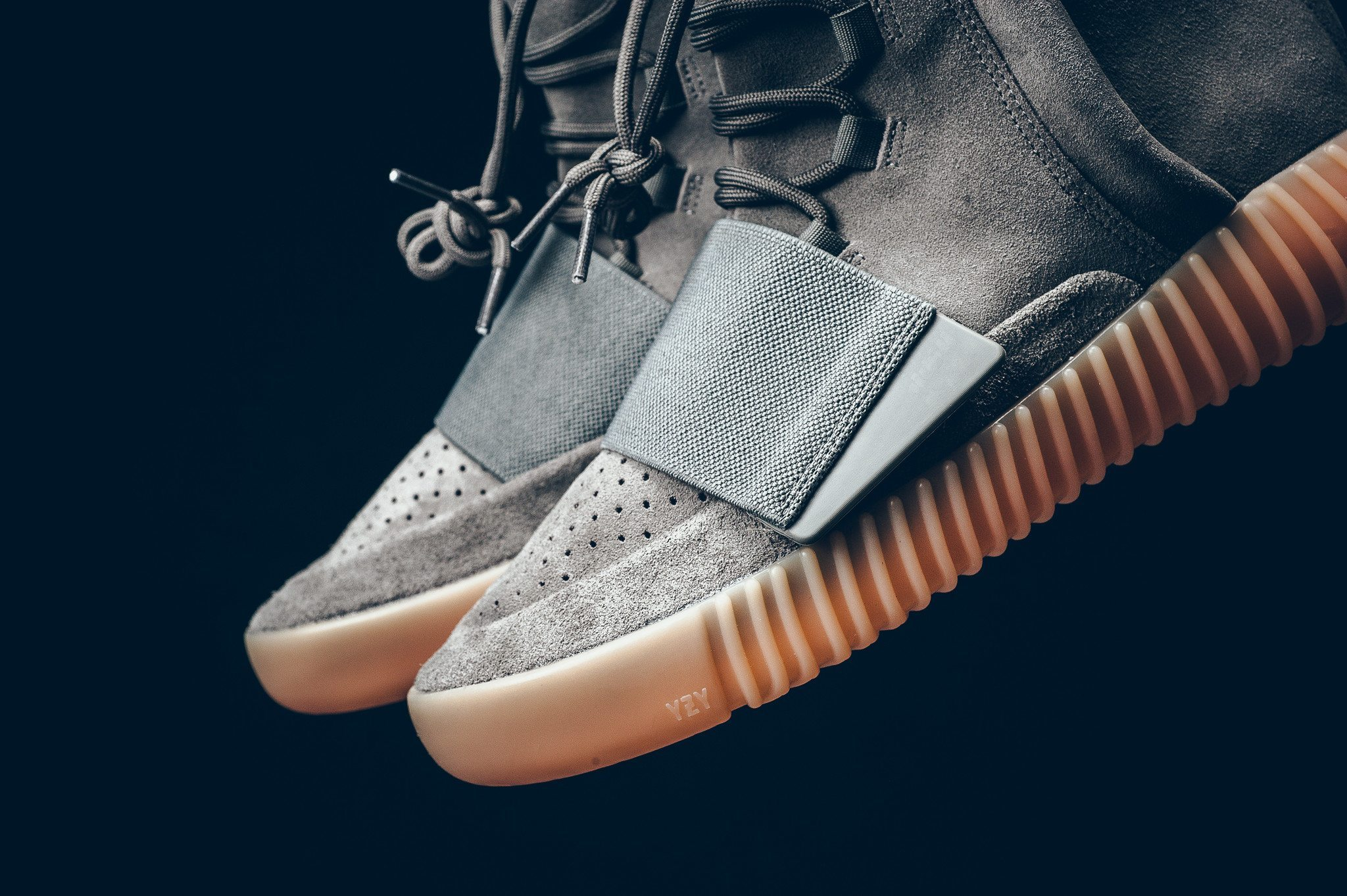 adidas Yeezy Boost 750 Light Grey 6
