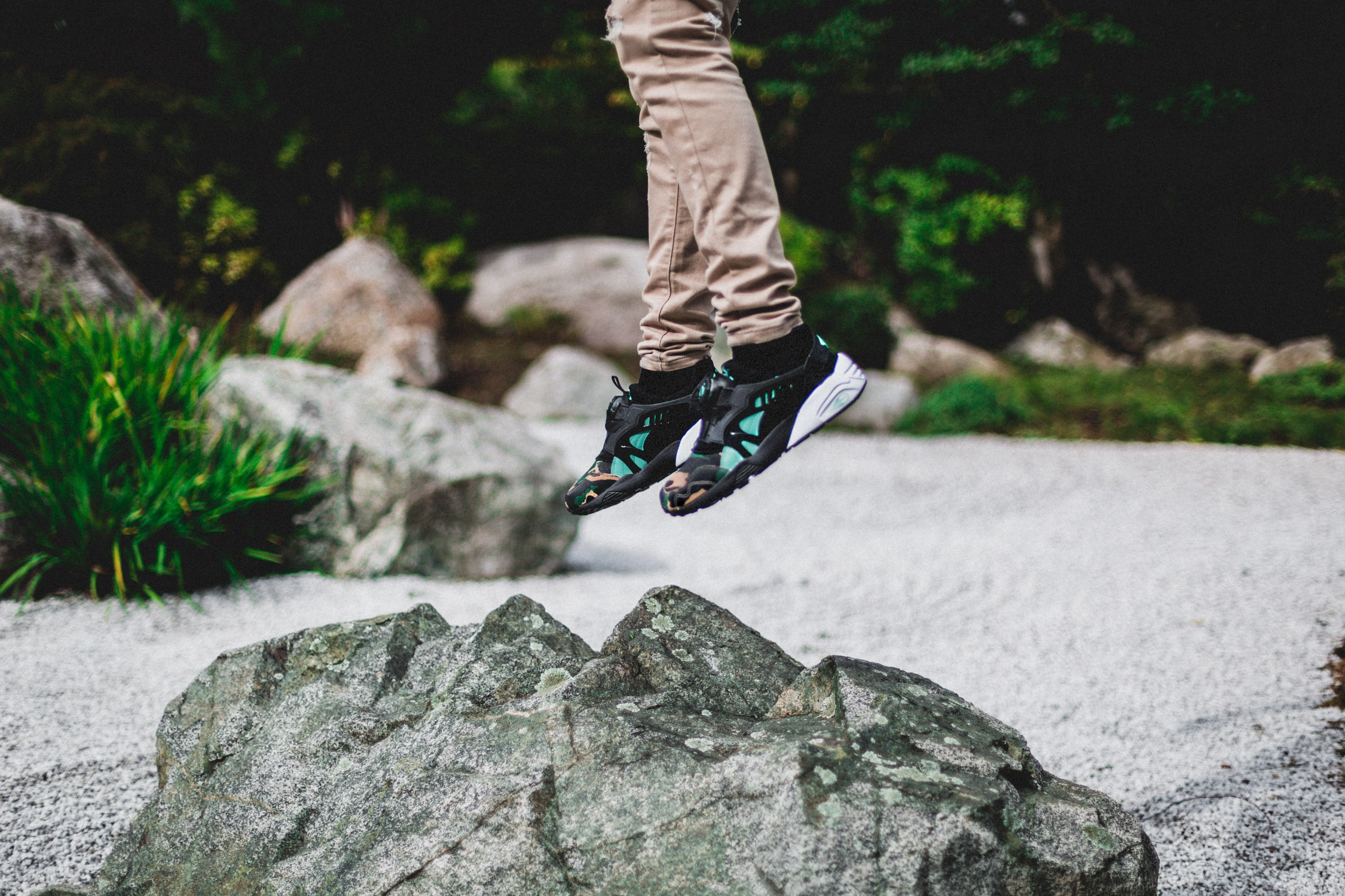 ATMOS x PUMA Disc Blaze Night Jungle 3