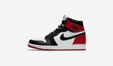 Air Jordan 1 – Black Toe