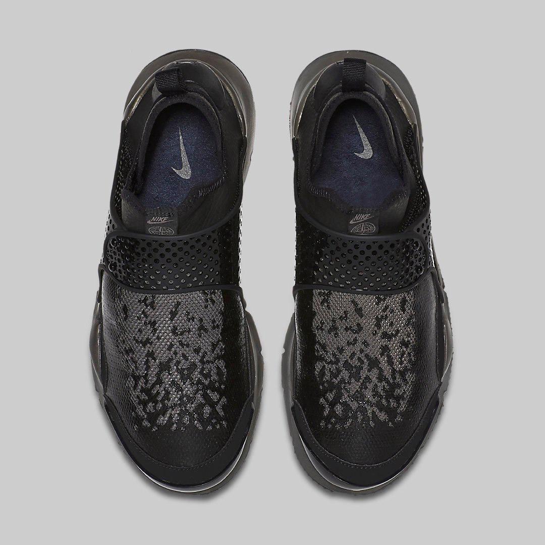 Stone Island x NikeLab Sock Dart MID Black 910090 001 3