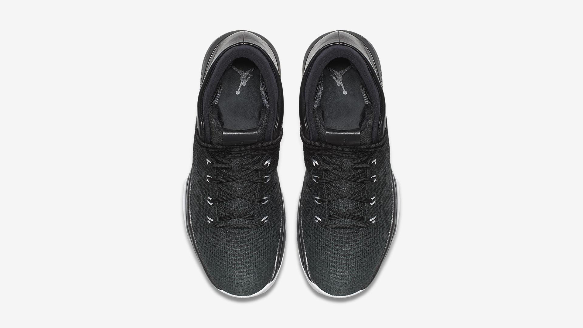 Air Jordan 31 Black Cat 845037 010 3