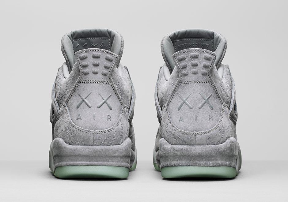 KAWS x Air Jordan 4 930155 003 3