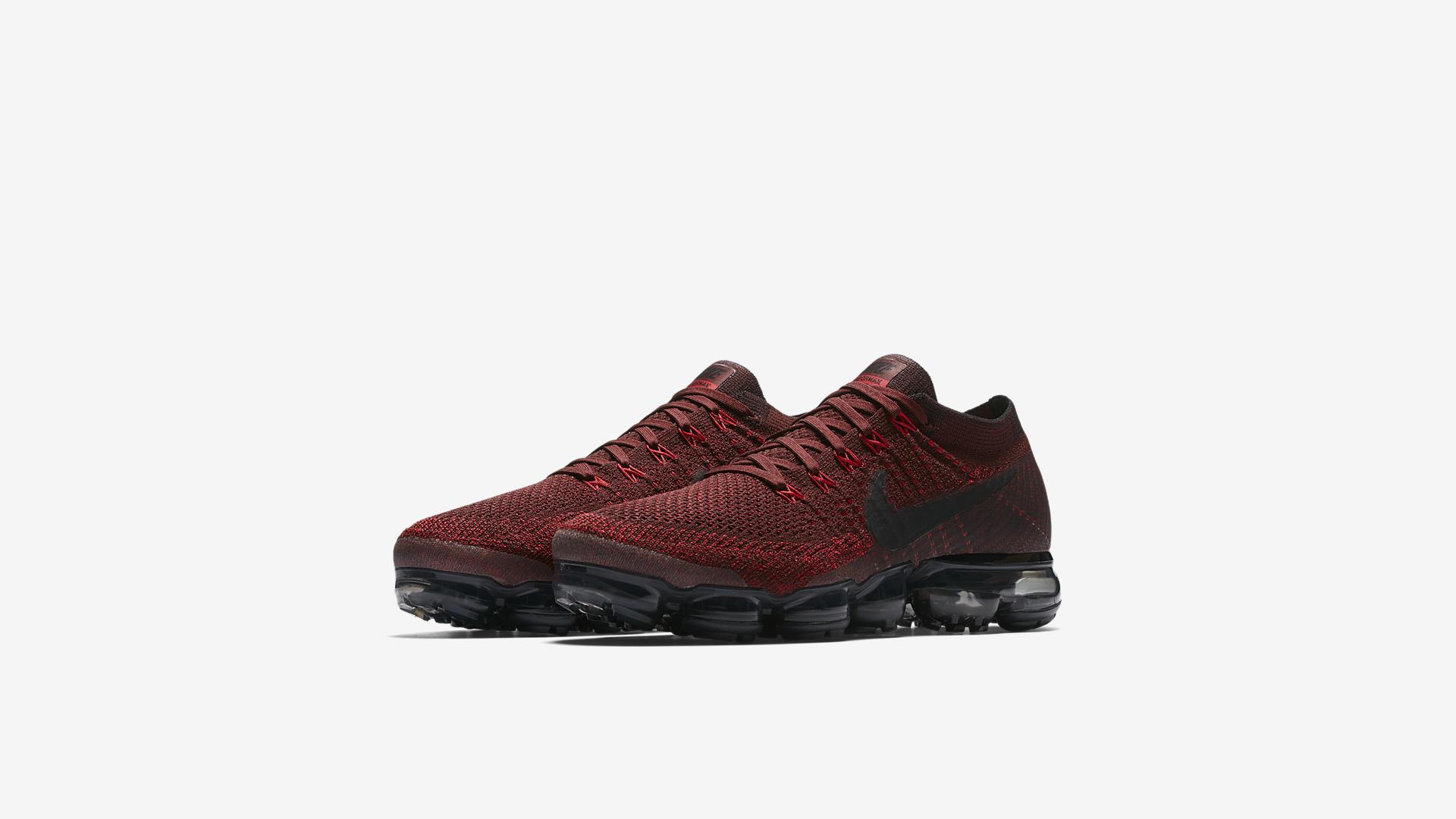 849558 601 Nike Air VaporMax Deep Red 1