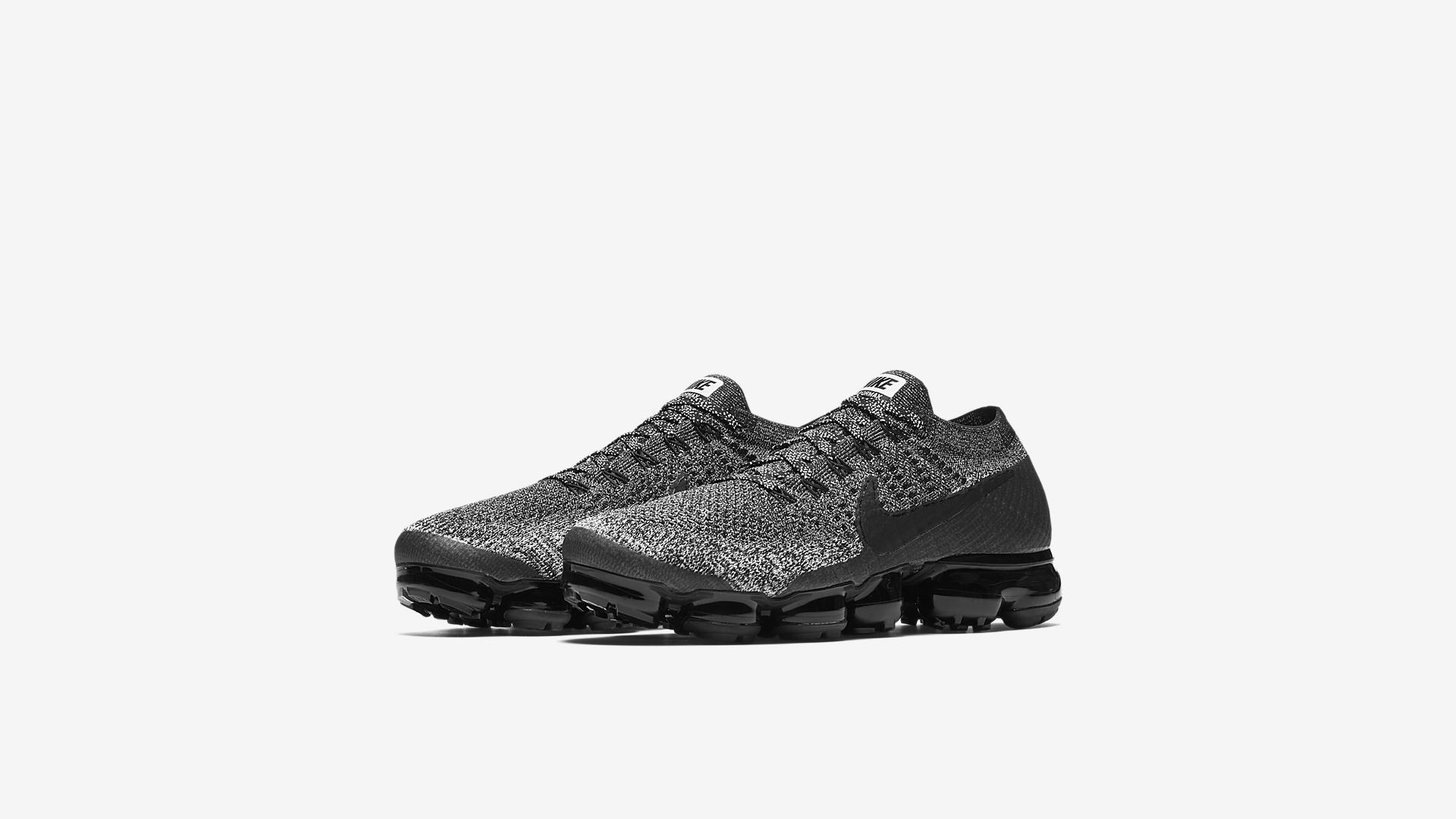 849558 041 Nike Air VaporMax Oreo 1