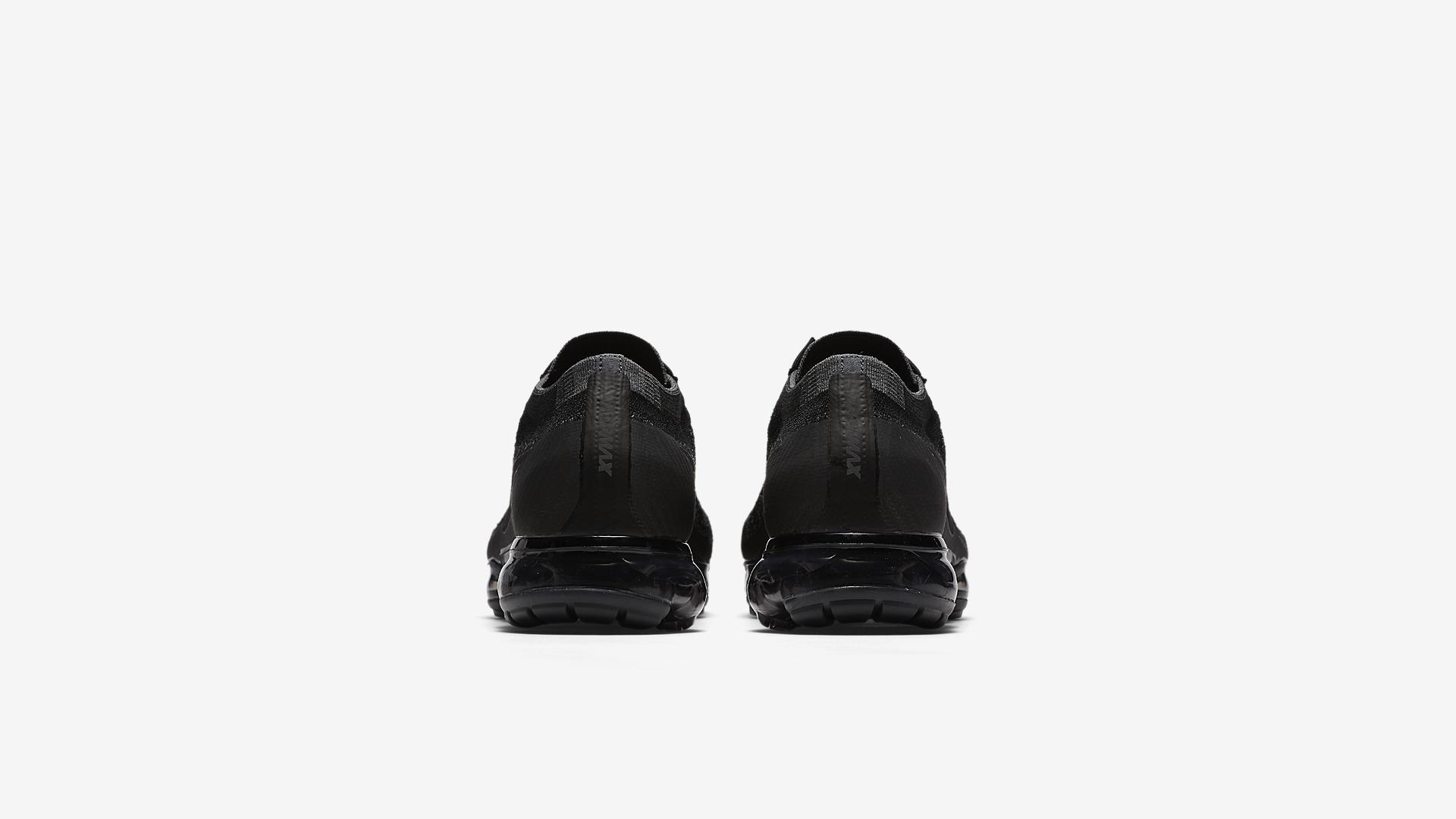 AQ0581 001 Nike Air VaporMax Laceless Night 2