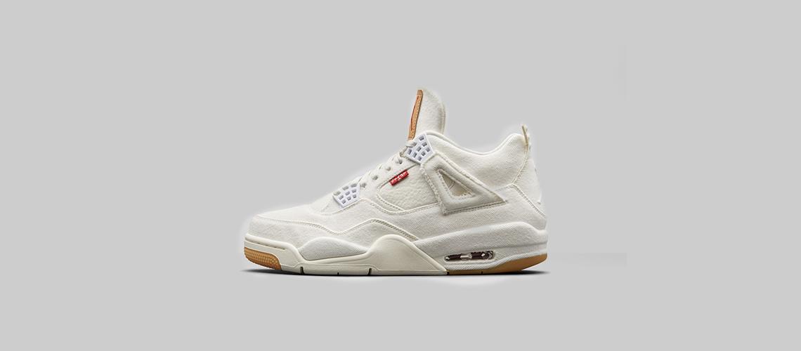 AO2571 100 Levis x Air Jordan 4 White Denim
