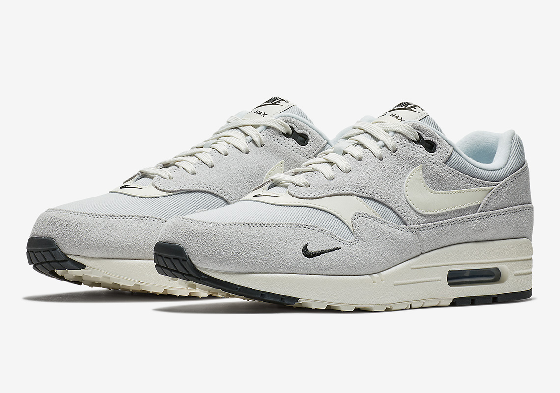 875844 006 Nike Air Max 1 Pure Platinum 1