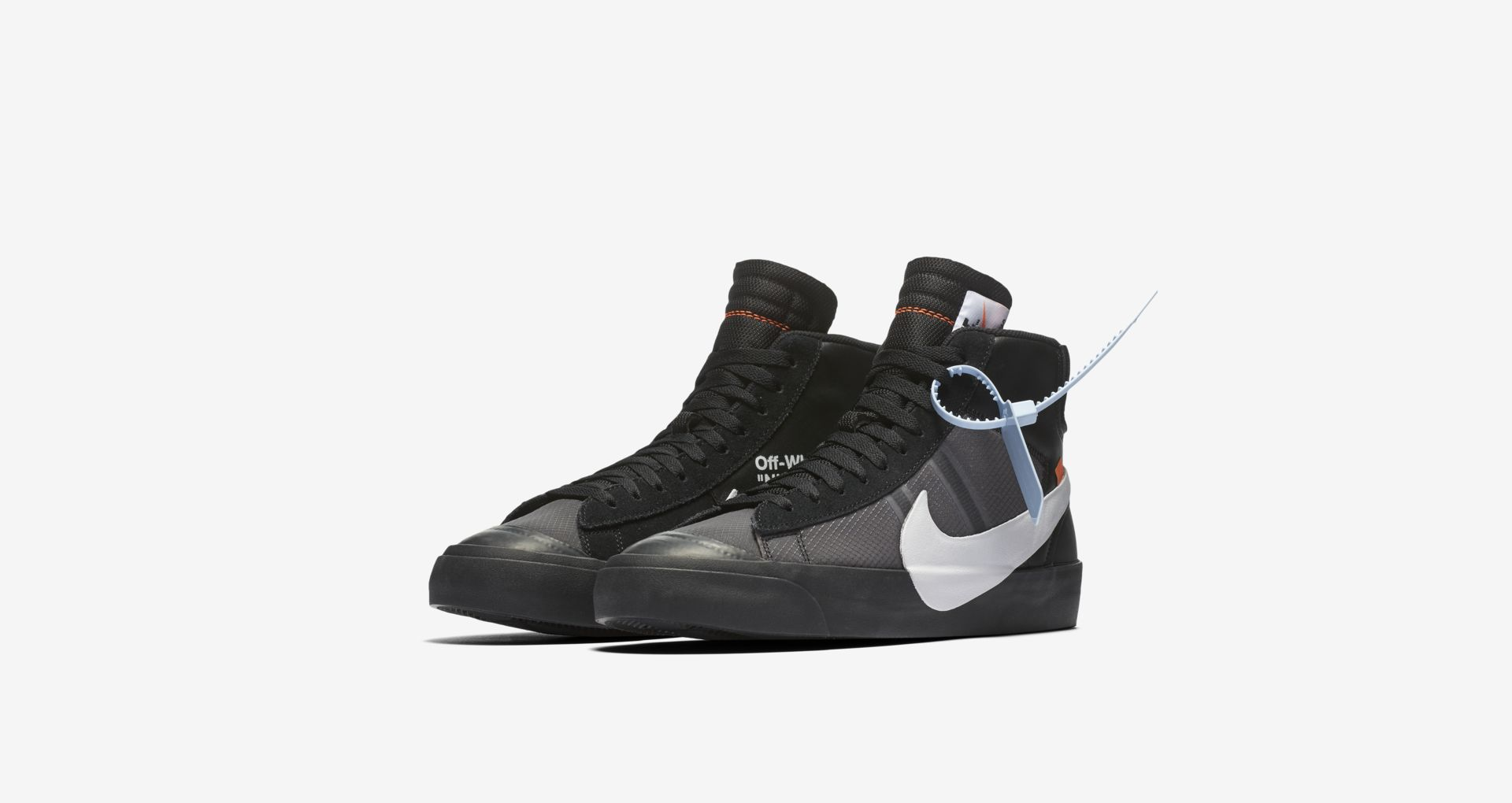 AA3832 001 Off White x Nike Blazer Mid Black 1