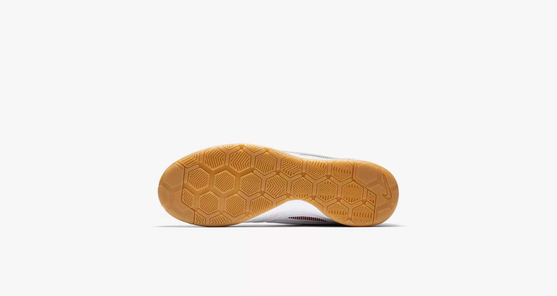 Supreme x Nike SB Gato White 2