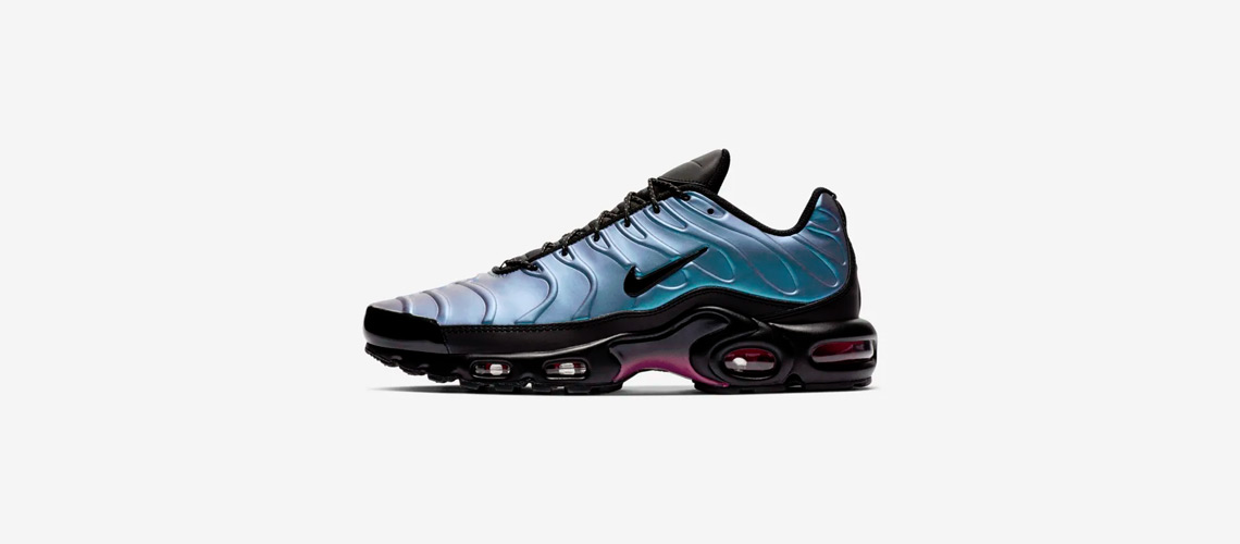 AJ2013 006 Nike Air Max Plus SE Throwback Future