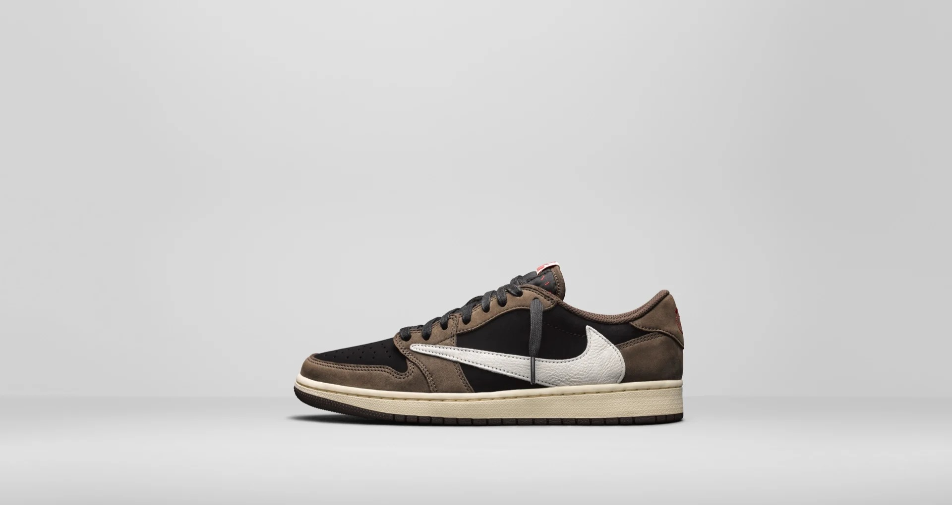 CQ4277 001 Travis Scott x Air Jordan 1 Low 1
