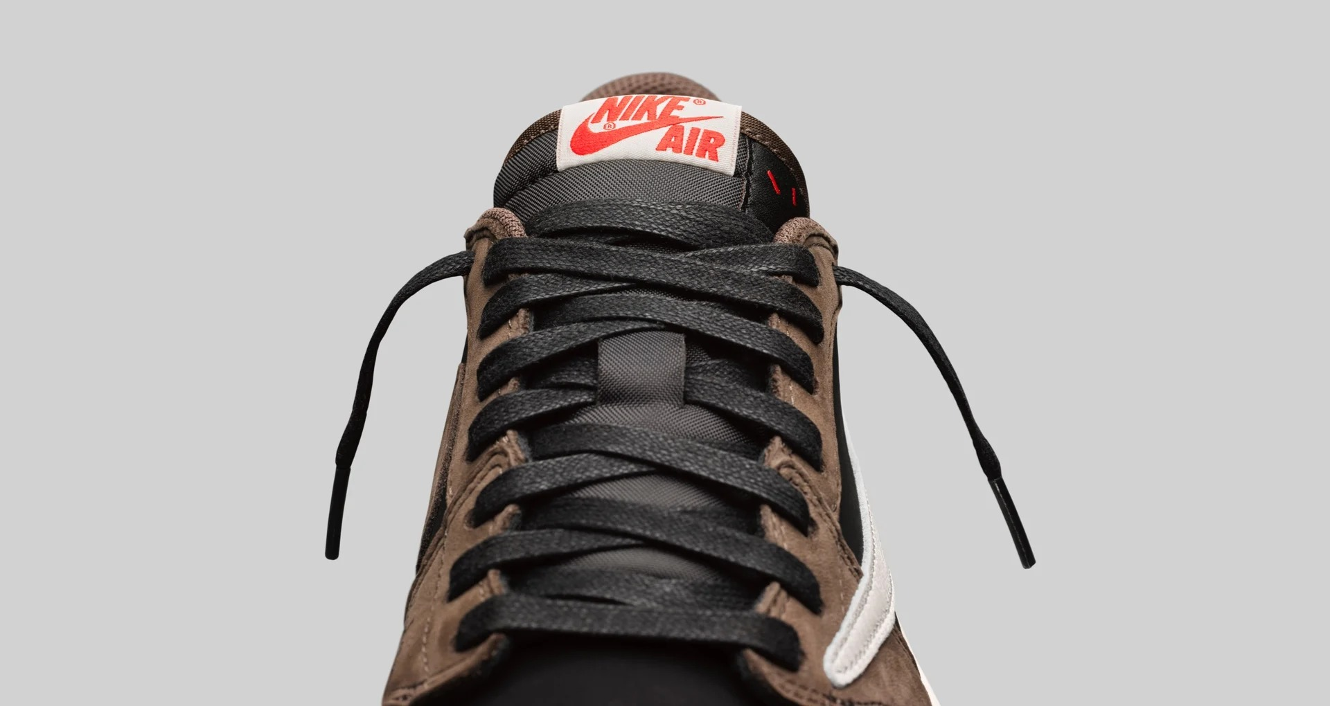 CQ4277 001 Travis Scott x Air Jordan 1 Low 2